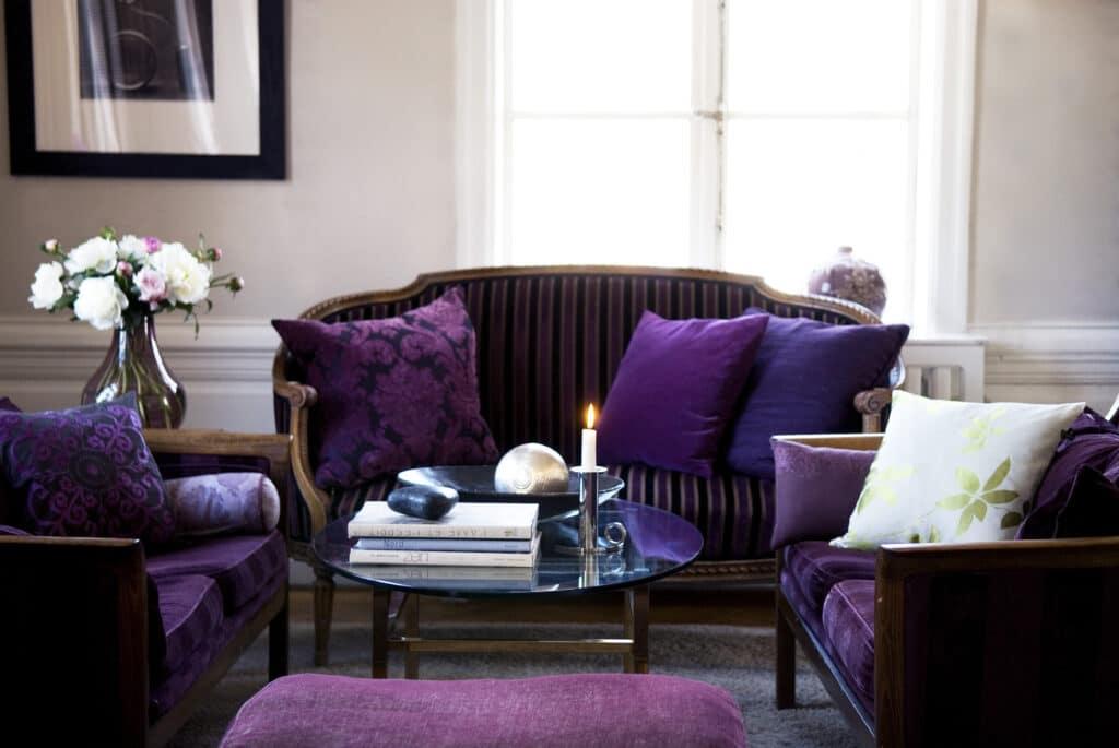 Herrgårdens lounge är bekväm efter dagens konferens och aktiviteter